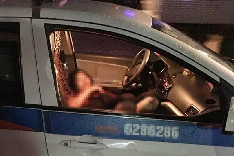 Nữ tài xế taxi bị đâm gục trên vô lăng - ảnh 1