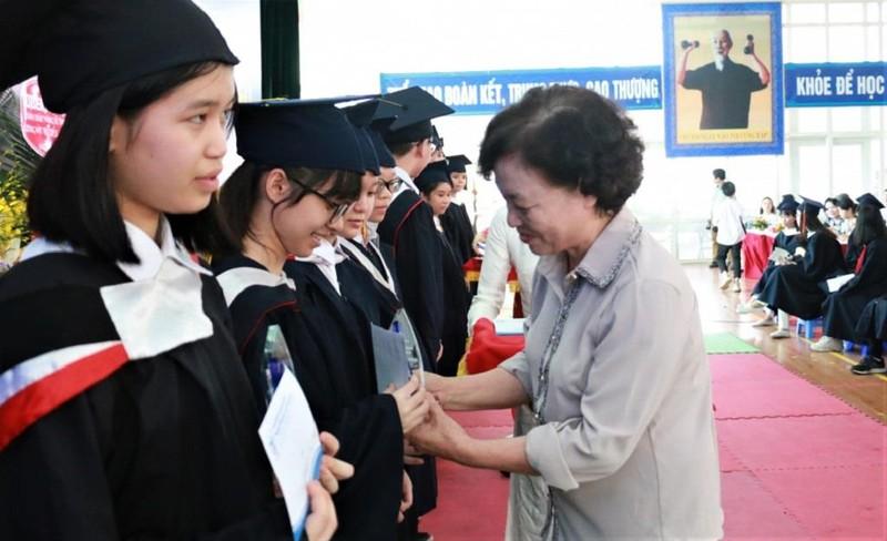 Vinh danh học sinh có thành tích đặc biệt trong các cuộc thi - ảnh 1