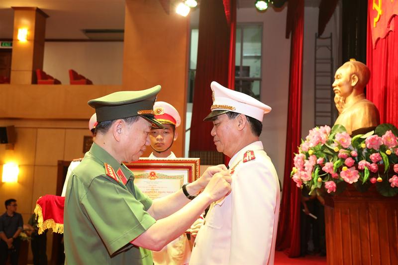 Giám đốc Công an Sơn La được phong tặng danh hiệu Anh hùng - ảnh 2