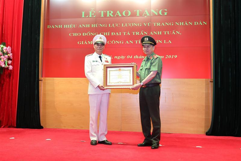 Giám đốc Công an Sơn La được phong tặng danh hiệu Anh hùng - ảnh 3