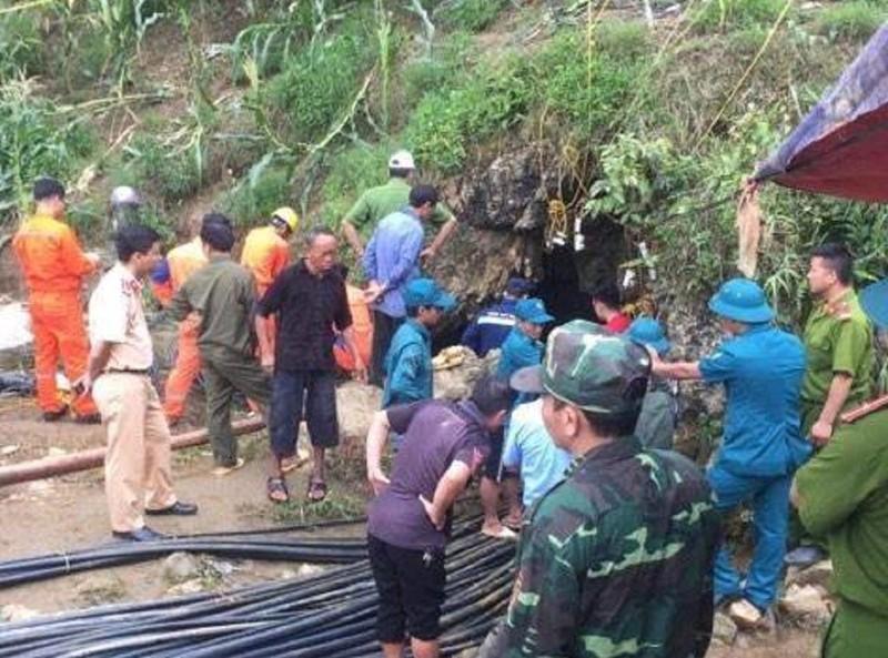 Mắc kẹt 10 ngày trong hang, người đàn ông ở Lào Cai tử vong - ảnh 1