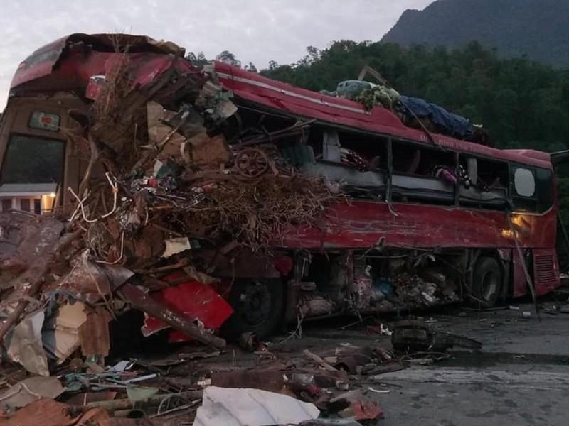 Tai nạn kinh hoàng ở Hòa Bình, hơn 30 người thương vong - ảnh 2