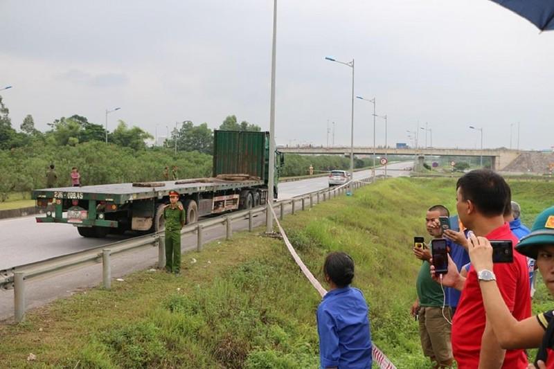 Toàn cảnh thực nghiệm vụ xe Innova lùi cao tốc 4 người chết - ảnh 1