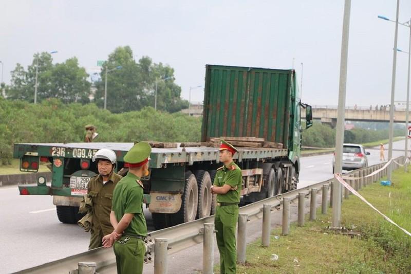 Toàn cảnh thực nghiệm vụ xe Innova lùi cao tốc 4 người chết - ảnh 2