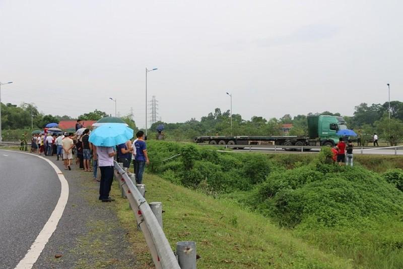 Toàn cảnh thực nghiệm vụ xe Innova lùi cao tốc 4 người chết - ảnh 3