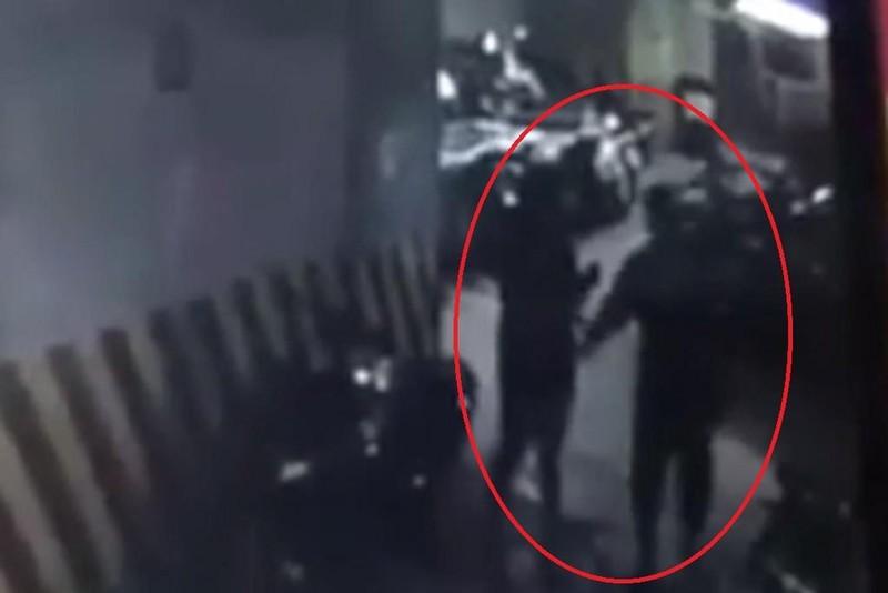 Người đàn ông sàm sỡ phụ nữ dưới hầm gửi xe vì say rượu - ảnh 1