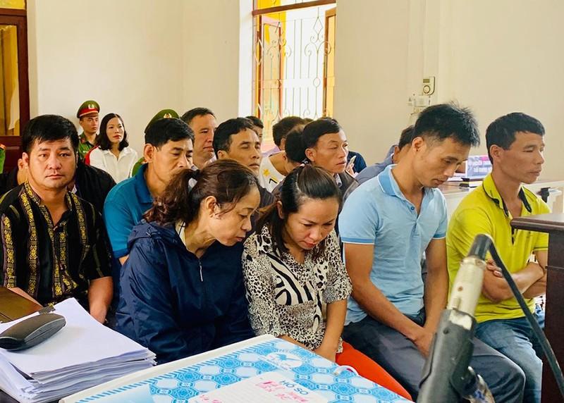 Vụ đánh bạc ở Điện Biên: Bị cáo tố điều tra viên khóa tay - ảnh 1