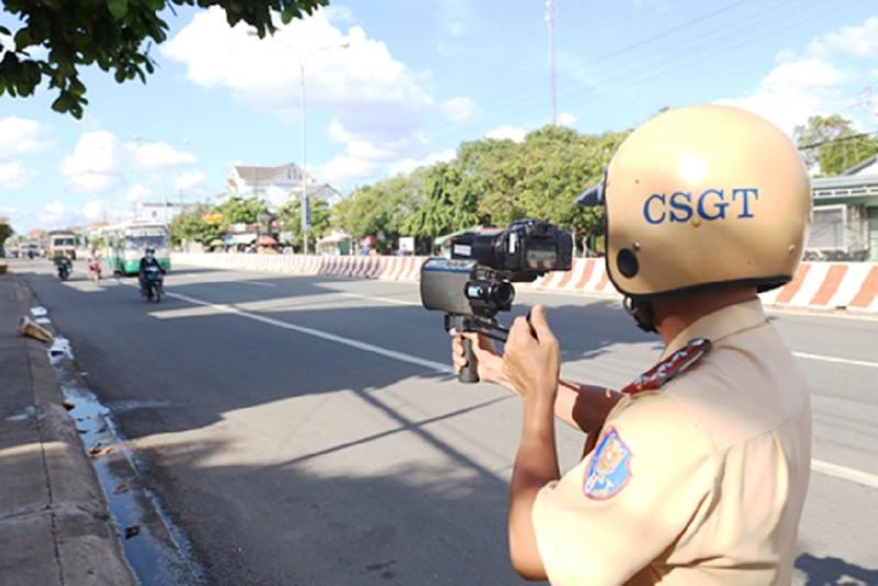 Bị CSGT bắn tốc độ, có được yêu cầu xem hình ảnh? - ảnh 1