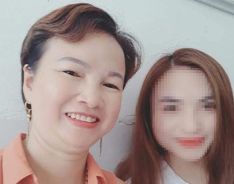 Hình ảnh đầu tiên của mẹ nữ sinh giao gà ở Điện Biên tại tòa - ảnh 2