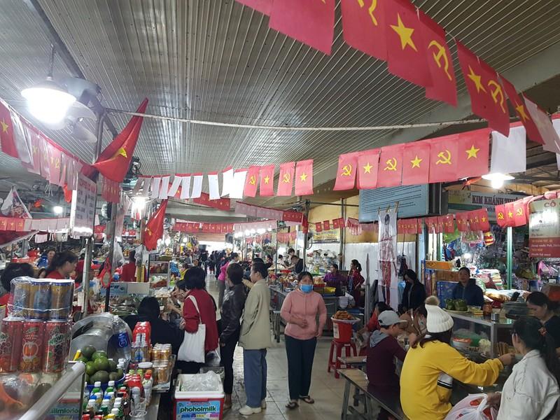 Cư dân góp tiền lắp màn hình Led 'khủng' để xem U-22 Việt Nam - ảnh 10