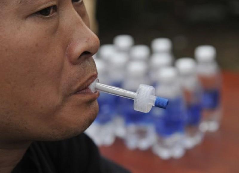 Cận cảnh thiết bị kiểm tra ma túy của CSGT - ảnh 2