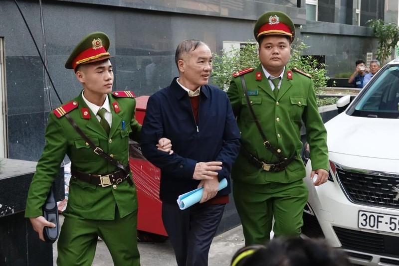 Cựu chủ tịch MobiFone Lê Nam Trà nói về giá mua AVG - ảnh 1