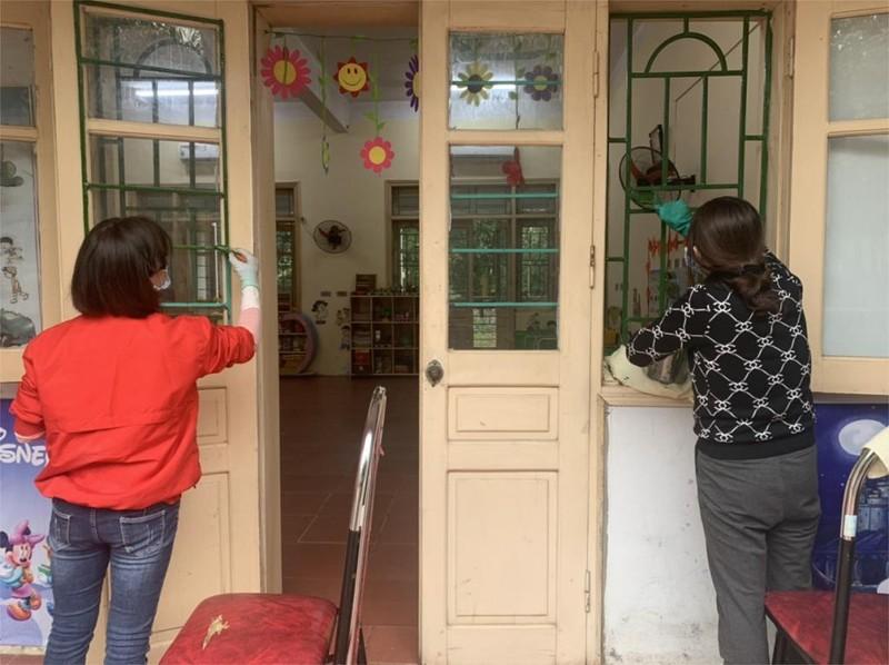 38 học sinh tại vùng dịch Vĩnh Phúc ho, sốt và khó thở - ảnh 1