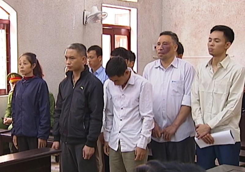 Vụ cựu CSGT kêu oan: Luật sư đề nghị thay đổi chủ tọa - ảnh 1
