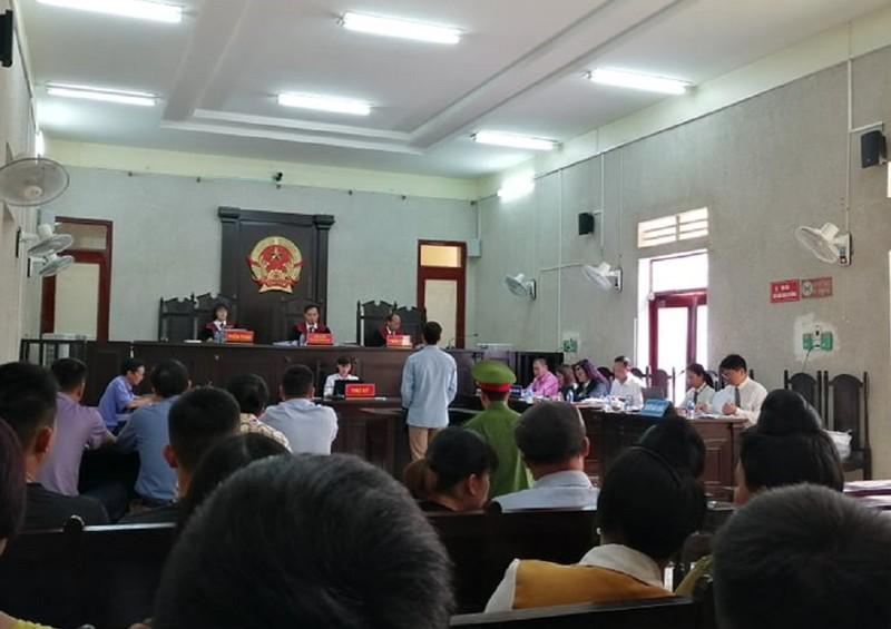 Luật sư bị chủ tọa yêu cầu rời khỏi phòng xét xử - ảnh 1