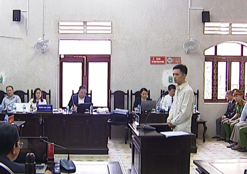 Lại 'nóng' chuyện luật sư bị buộc rời phòng xử - ảnh 1
