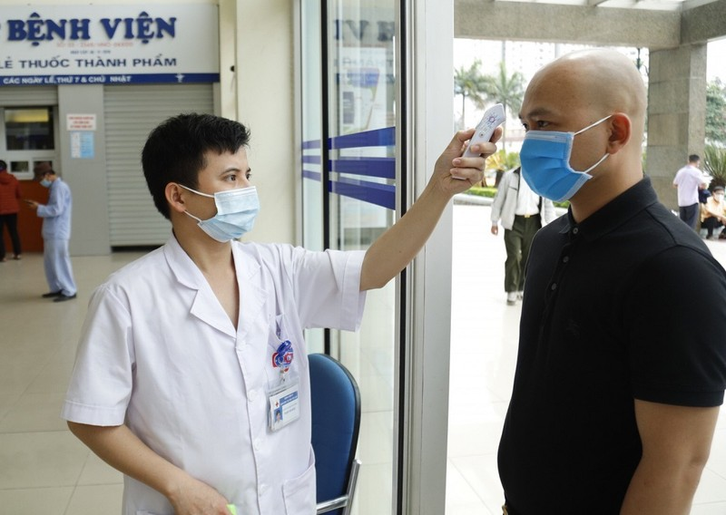 Bệnh viện chế container làm phòng cách ly chống COVID-19 - ảnh 4