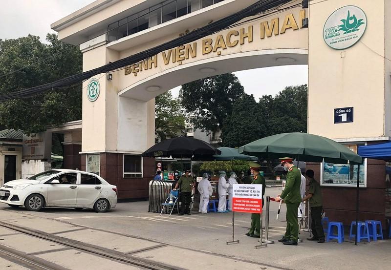 68 người phải cách ly vì 2 mẹ con nhiễm COVID tại BV Bạch Mai - ảnh 1