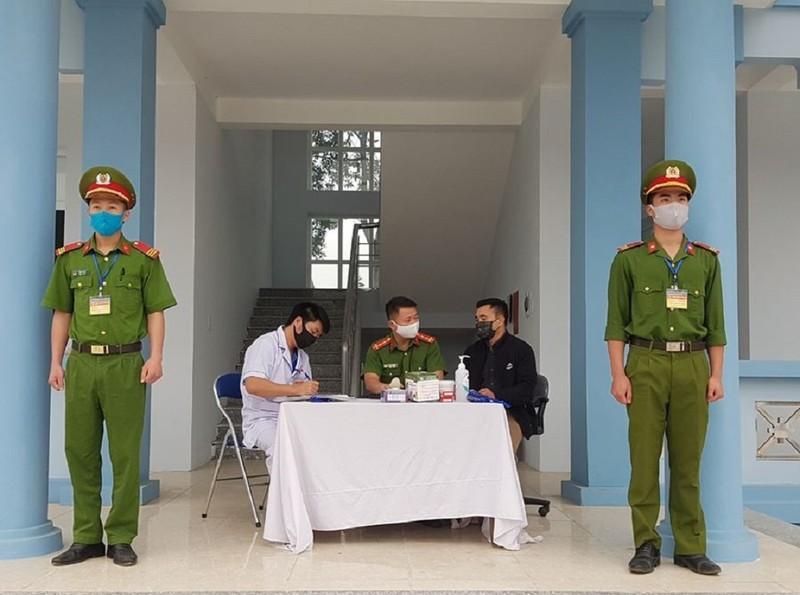 Lai Châu: Lý do chính đáng được vào, cách ly nếu có dịch tể - ảnh 1