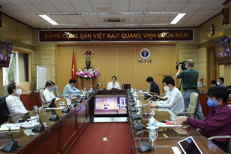 Kiến nghị Hà Nội cách ly thêm 1 tuần, TP.HCM giảm nguy cơ - ảnh 1