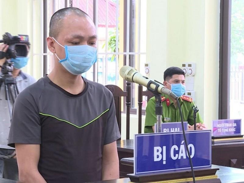 18 tháng tù vì chống đối, 'ăn vạ' ở chốt kiểm dịch COVID-19 - ảnh 1