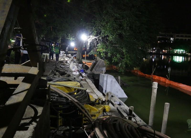 Trắng đêm kè bờ cho hồ Hoàn Kiếm - ảnh 1
