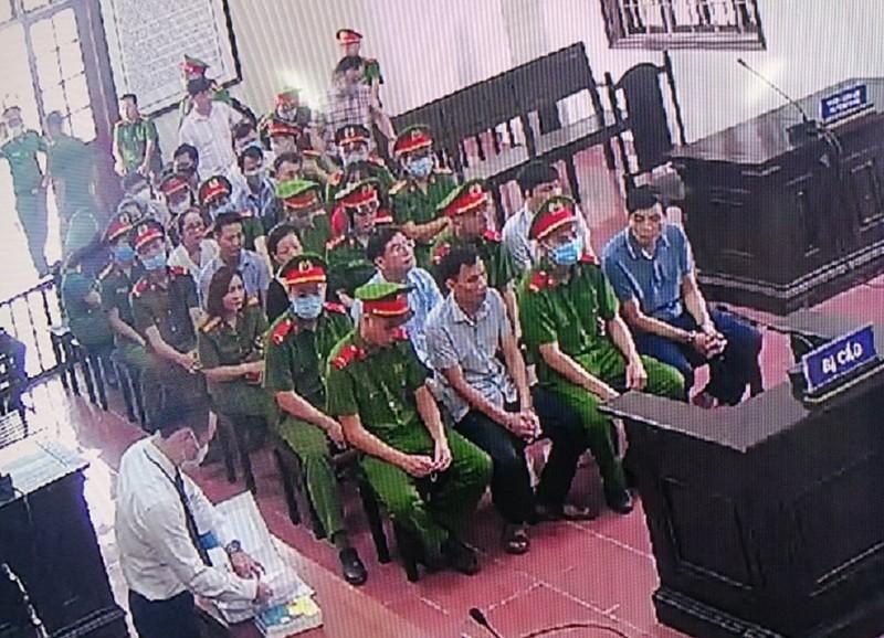 15 cán bộ công an, giáo dục 'bắt tay' nâng điểm tại Hòa Bình - ảnh 1