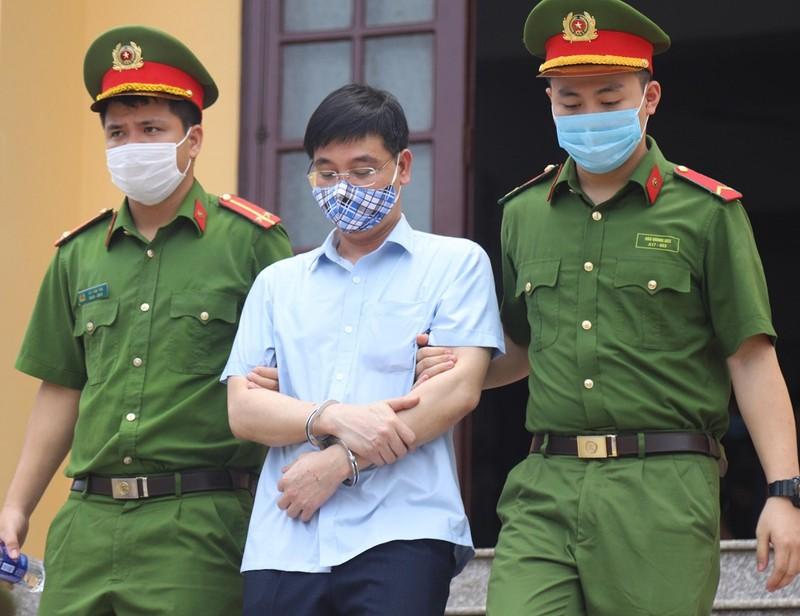 Cựu thượng tá công an 'phủi tội', nói bị vu khống - ảnh 1