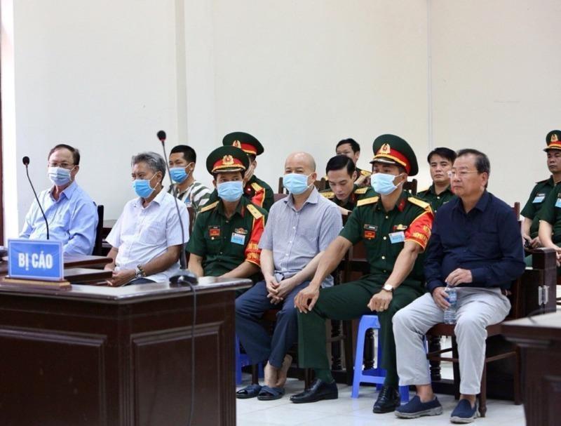 Cựu thứ trưởng Nguyễn Văn Hiến bị tuyên 4 năm tù - ảnh 1