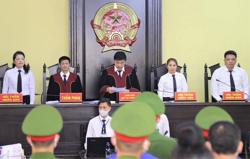 Tuyên án 3 cựu công an, 7 cựu cán bộ giáo dục tại Sơn La - ảnh 1