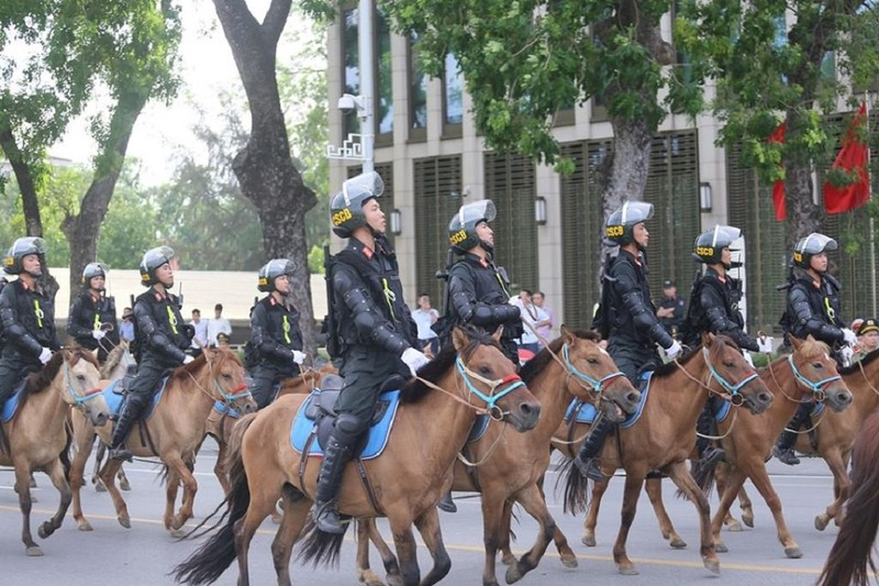 Bộ trưởng Bộ Công an nói về lực lượng kỵ binh vừa ra mắt - ảnh 1