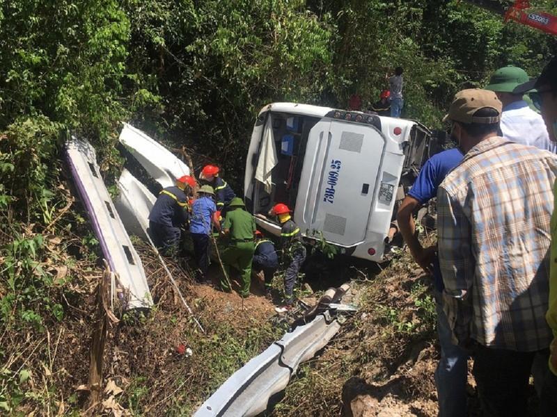 Bộ Công an chỉ đạo điều tra vụ lật xe khiến 13 người chết  - ảnh 1