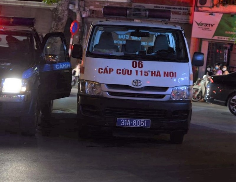 Hiện trường vụ sập giàn giáo trên phố Nguyễn Công Trứ - ảnh 5