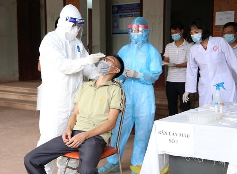 1 bệnh nhân COVID-19 được ra viện, về đến quê lại dương tính - ảnh 1