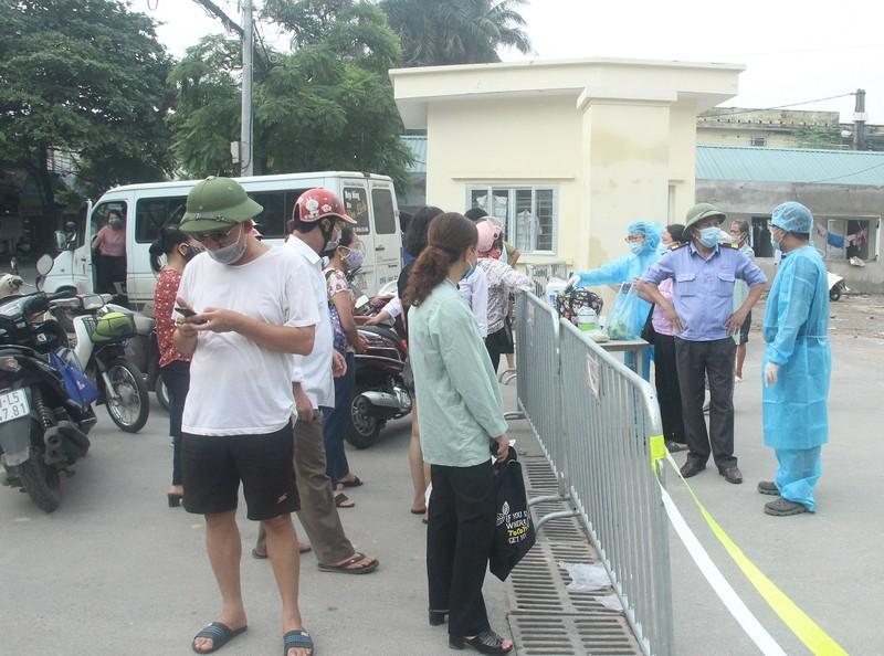 Bệnh viện E tạm đóng cửa, hàng trăm bệnh nhân phải quay về - ảnh 4