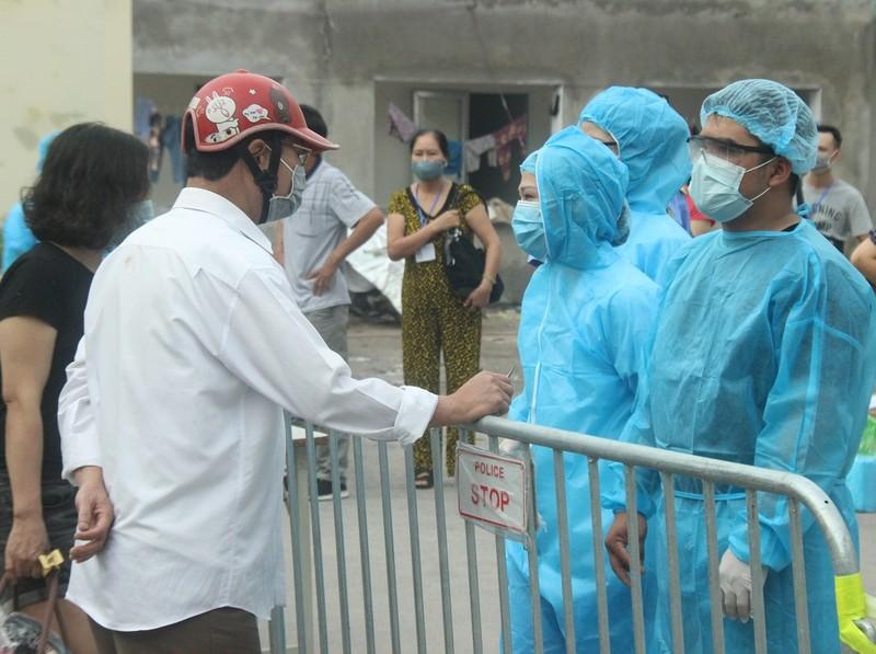 Bệnh viện E tạm đóng cửa, hàng trăm bệnh nhân phải quay về - ảnh 5