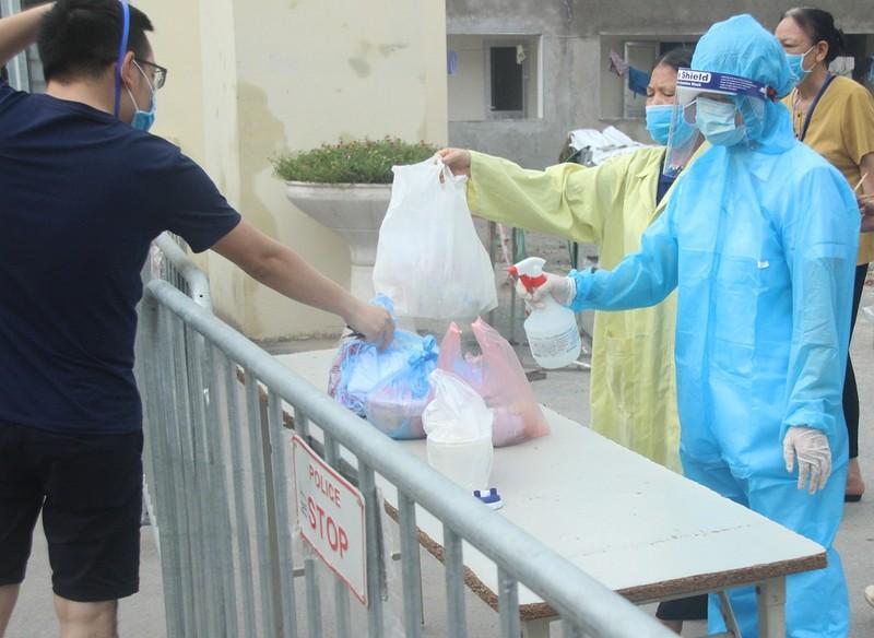 Bệnh viện E tạm đóng cửa, hàng trăm bệnh nhân phải quay về - ảnh 8