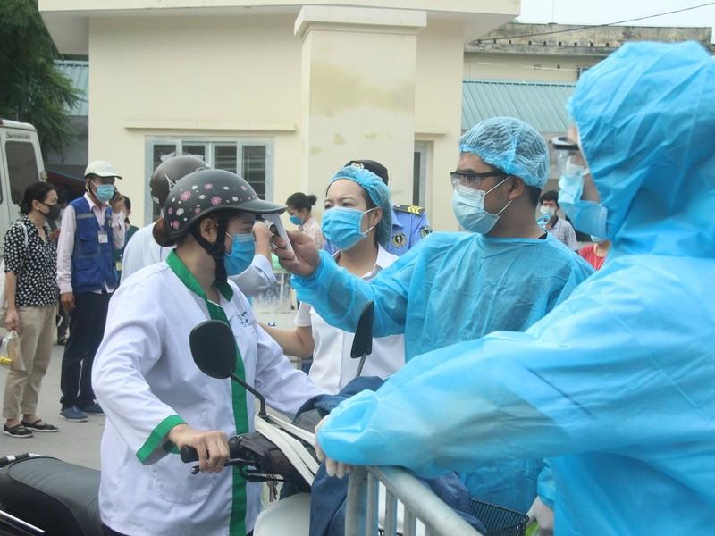 Bệnh viện E tạm đóng cửa, hàng trăm bệnh nhân phải quay về - ảnh 9