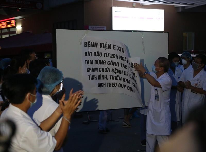 Bệnh nhân 994 âm tính COVID-19, bệnh viện E dỡ phong tỏa - ảnh 1