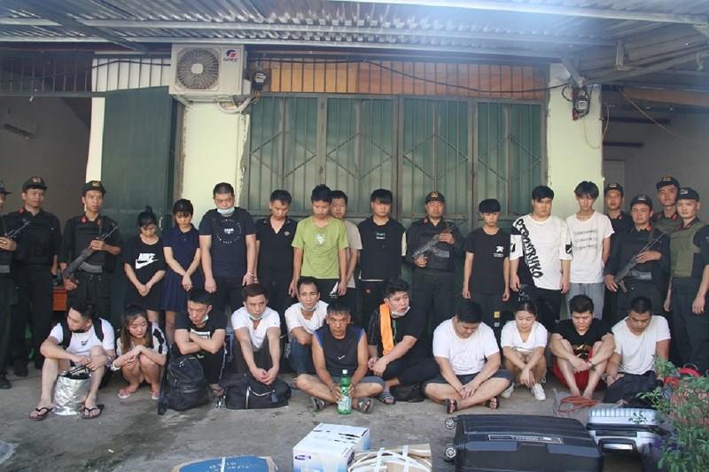 100 cảnh sát vây bắt 21 người Trung Quốc bị truy nã ở Lào Cai - ảnh 1