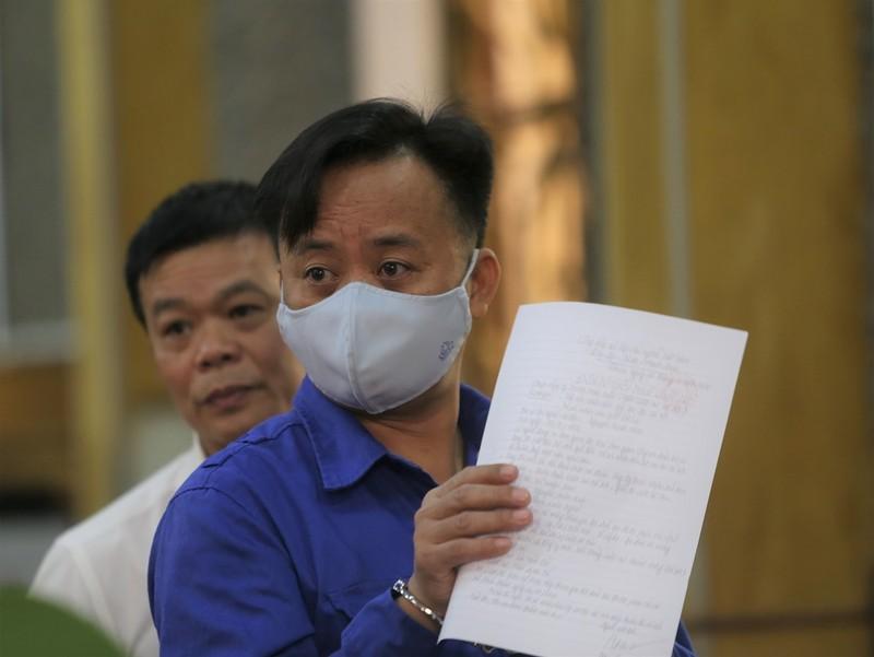 Cựu thượng tá công an từ chối 3 luật sư, tòa hoãn xử - ảnh 1