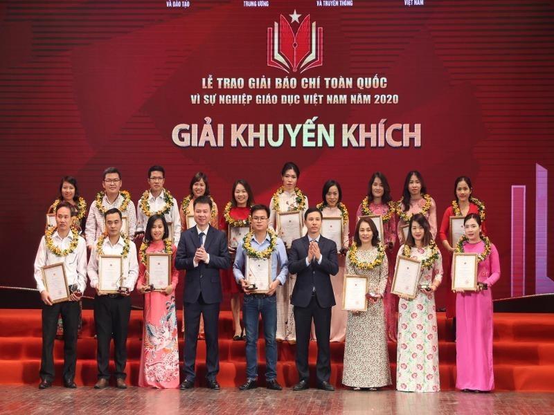 Trao giải báo chí toàn quốc 'Vì sự nghiệp giáo dục Việt Nam' - ảnh 1
