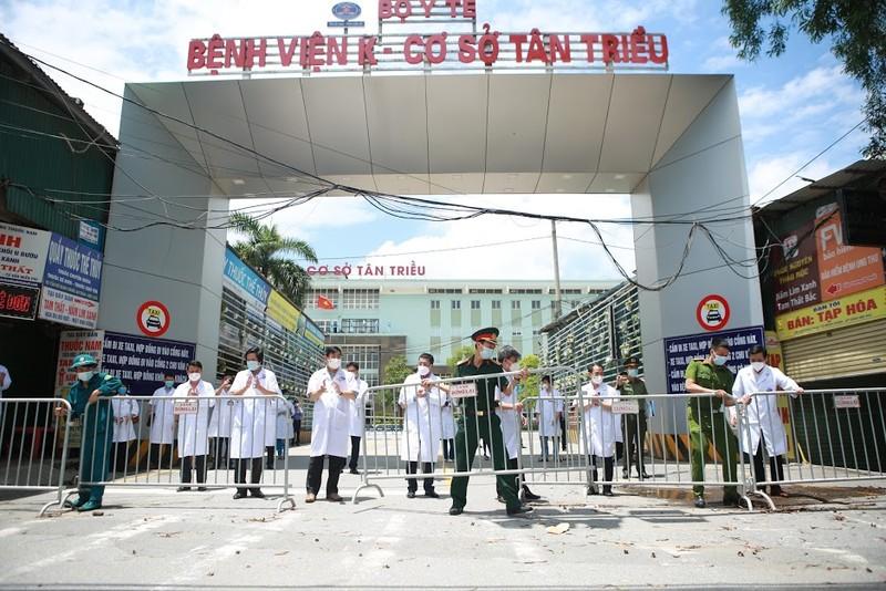 Bệnh viện K Tân Triều dỡ phong tỏa sau 1 tháng cách ly vì COVID-19 - ảnh 1