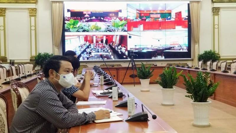 TP.HCM lập 100 đoàn kiểm tra, ngăn dịch bệnh trong các khu công nghiệp - ảnh 1