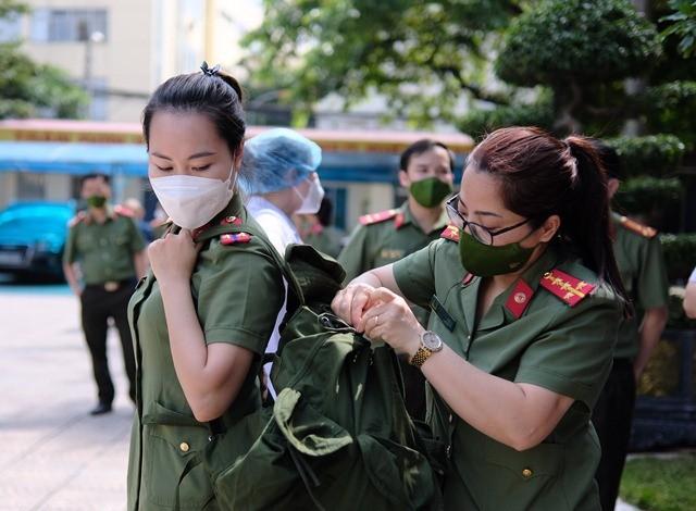 2 bệnh viện hạng I của Bộ Công an chi viện các tỉnh phía Nam chống dịch - ảnh 1