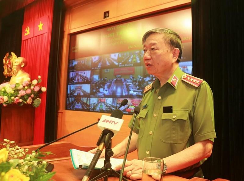 100.000 chiến sỹ công an được huy động làm 'lá chắn thép' chống COVID-19 - ảnh 1
