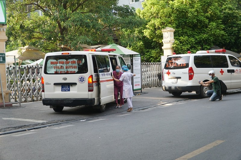 Bệnh viện Việt Đức bị phạt 14 triệu đồng vì vi phạm phòng chống dịch COVID-19 - ảnh 1
