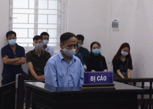 1 cựu phó chủ tịch HĐND phường bị phạt 12 năm tù  - ảnh 1