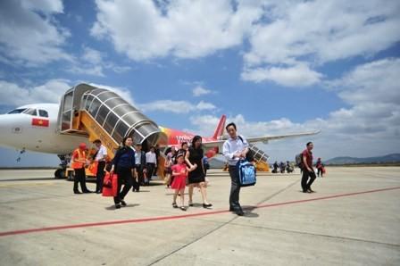 Một hành khách bị phạt 3 triệu đồng vì hút thuốc lá trên máy bay - ảnh 1
