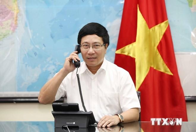 Phó Thủ tướng Phạm Bình Minh điện đàm với Ngoại trưởng Pháp - ảnh 1
